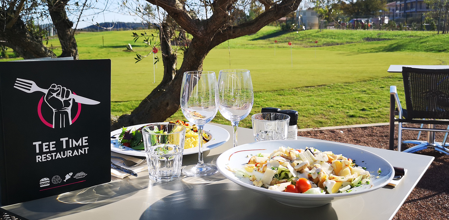 TEE TIME RESTAURANT TERRASSE DEMOCRATIC GOLF